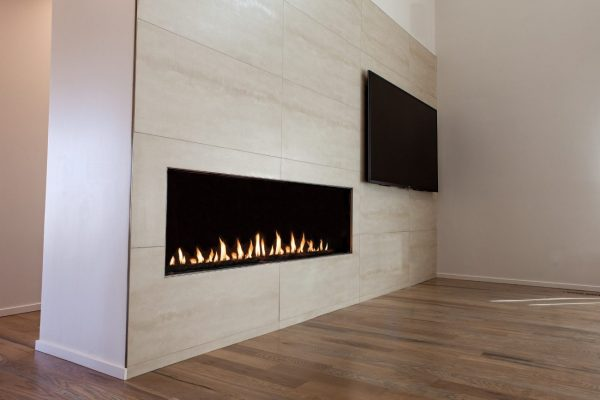 Flare flat linear fireplace