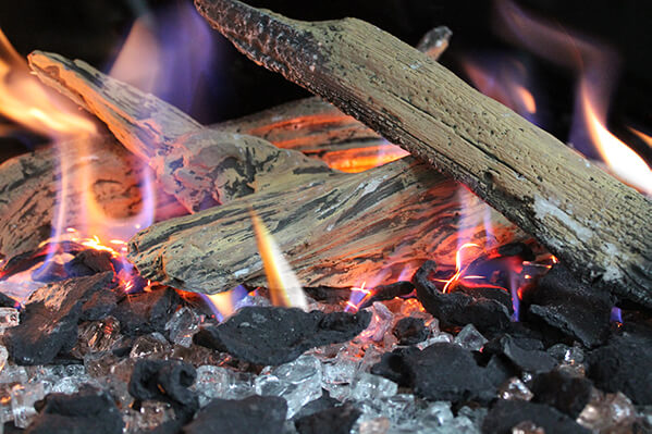 Driftwood gas logs for modern fireplace