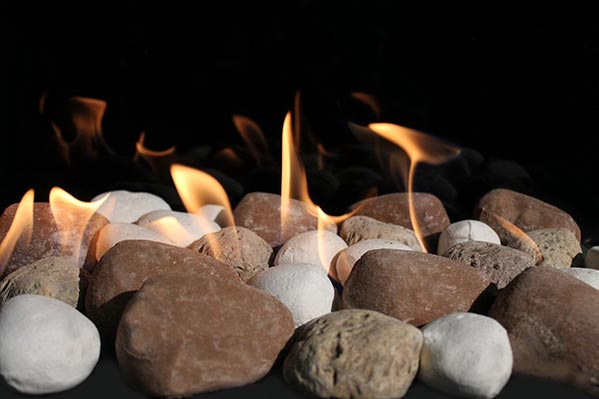 Mix stones Earth colors for a Modern fireplace